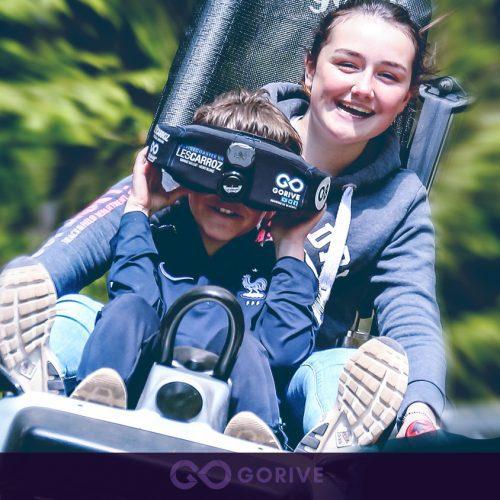 Descente en luge VR par un enfant